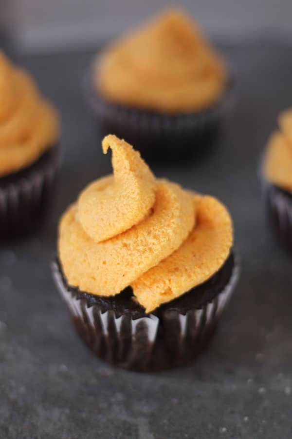 Chocolate Cupcakes with Pumpkin Cream Frosting