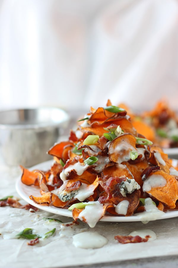 Baked Sweet Potato Chips with Blue Cheese Sauce and Bacon 2