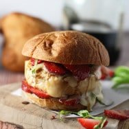 Strawberry, Basil, Bacon and Brie Chicken Burgers (Giveaway!)
