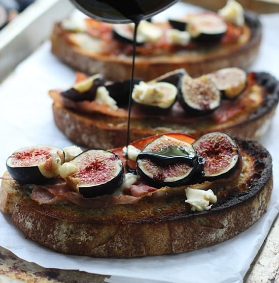 Roasted Fig, Blue Cheese and Proscuitto Tartines PS1