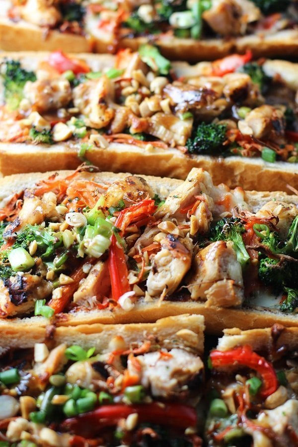 Spicy Thai Chicken French Bread Pizzas - An easy, nutritious dinner that's on the table in under 30 minutes! | Cooking for Keeps @cookingforkeeps #easy #quick