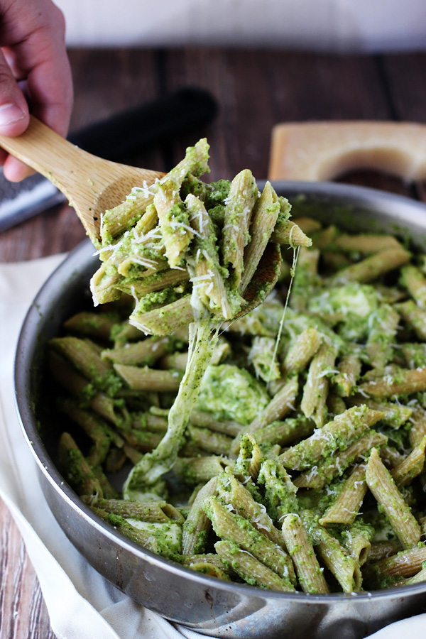 Cheesy Baked Penne with Broccoli and Spinach Pesto