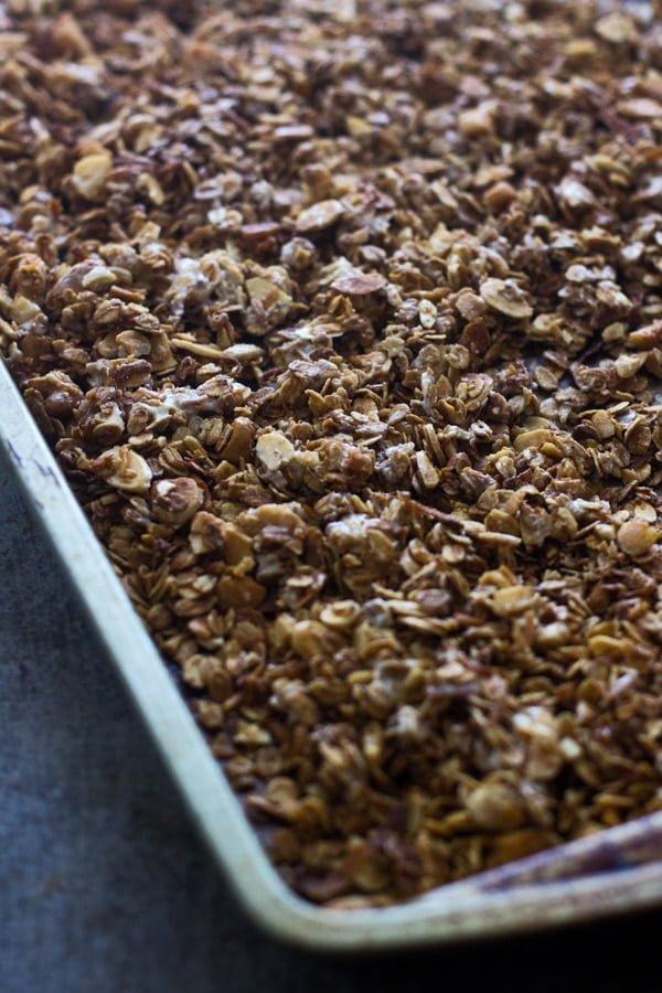 White Chocolate Macadamia Nut Granola - Tastes EXACTLY like a white chocolate macadamia nut cookie!