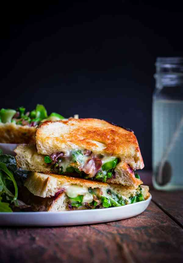 grilled-cheese-with-broccolini-caramelized-red-onions-and-red-pepper ...