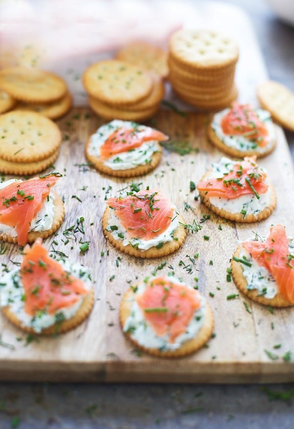 Smoked Salmon Bites with Herbed Cream Cheese
