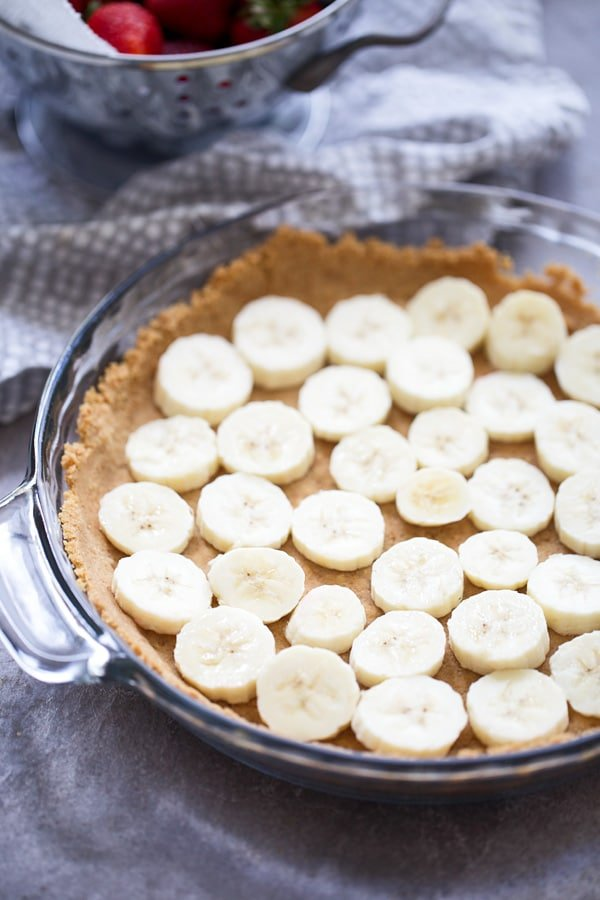 Strawberry Banana Pudding Pie - Cooking for Keeps