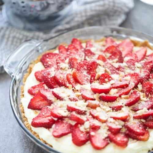 Strawberry Banana Pudding Pie