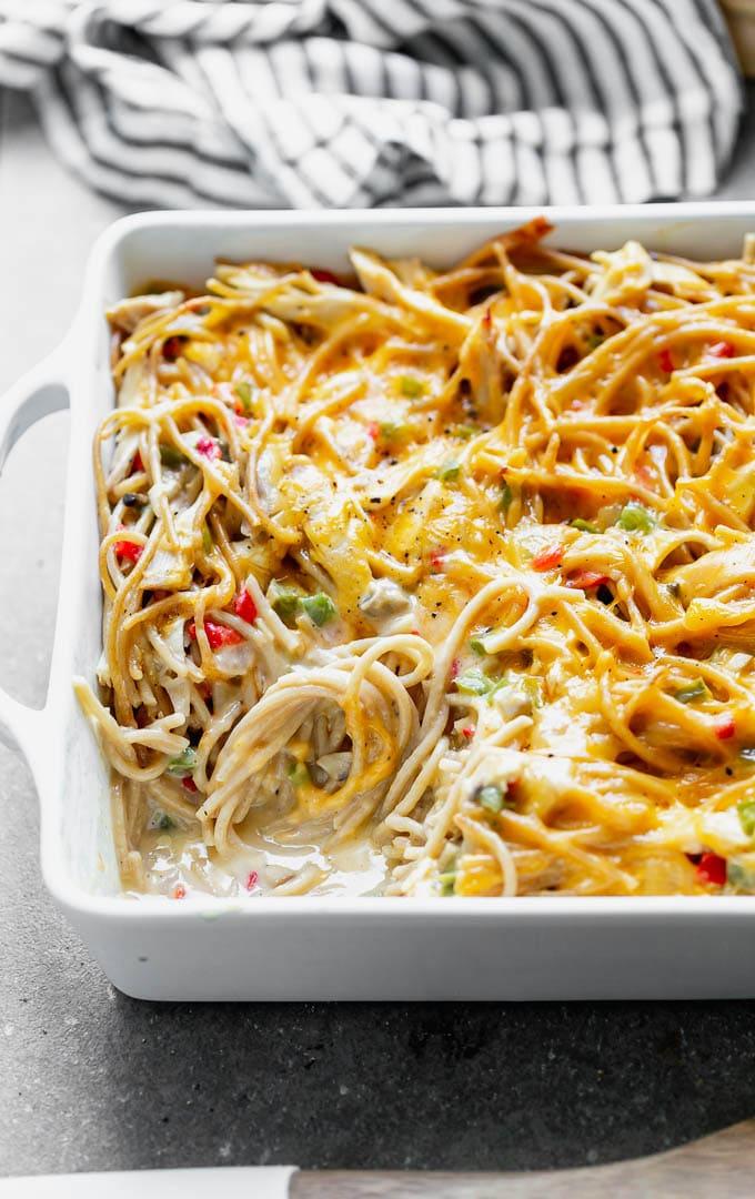 Cheesy chicken spaghetti: A creamy cheese casserole