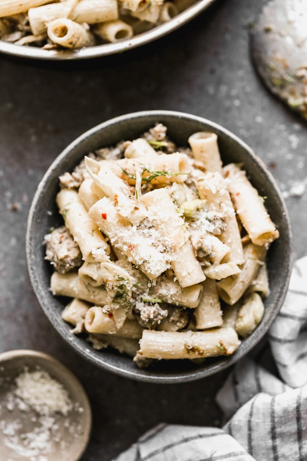 Pasta with Fennel and Sausage is spicy, sweet, creamy, and only six ingredients! Thanks to its minimal ingredient list and easy prep, this pasta is quick to throw together for a date-night in, or even a busy weeknight dinner.